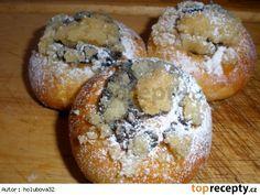 Moravské koláčky400 g polohrubé mouky 70 g hladké mouky 125 g cukr krupice 1 lžička krupicového cukru 42 g droždí 250 ml mléka 150 g másla 4 žloutky povidla drobenka cukr krupice máslo polohrubá mouka Desert Recipes, Bagel, Doughnut, Baked Potato, Muffin, Cooking Recipes, Sweets, Bread, Baking