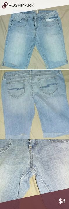 Flare Short Jean's It's in good condition no stains no rips or holes..it's very comfortable but sad it don't fit me any more Arizona Jean Company Jeans