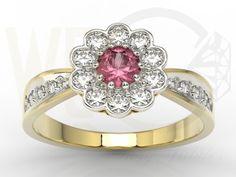 Pierścionek w kształcie kwiata z żółtego złota z rubinem i diamentami/ Flower-shaped ring made from yellow gold with diamonds and ruby / 3430 PLN #jewellery #jewelry #gold #ring