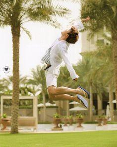 "3,203 Beğenme, 10 Yorum - Instagram'da PARK JIMIN  (@jiminisluv): "" [SCANS] by Bangtan_Sonyeon_Scan  @ bts_scans  FROM: BTS Summer Package 2016 in Dubai Photobook .…"""