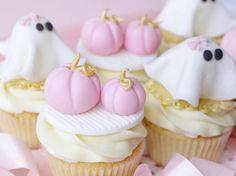 Halloween Cupcake Tutorial, Pink Pumpkins and Girly Ghosts, Sugarcraft, How To Halloween Cupcakes Ghost Cake, Ghost Cupcakes, Pumpkin Cupcakes, Themed Cupcakes, Mini Cupcakes, Cupcake Cakes, Pink Halloween, Halloween Cupcakes, Halloween Treats