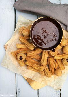 Cinnamon churros with a vegan chocolate ganache | The Little Blog Of Vegan