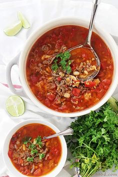 Five Approaches To Economize Transforming Your Kitchen Area Chorizo, Rice And Bean Soup - Spicy Chorizo Sausage Adds Amazing Flavor To This Easy, Warm And Comforting Bean Soup. Chorizo Recipes, Bean Soup Recipes, Tomato Soup Recipes, Healthy Soup Recipes, Mexican Food Recipes, Healthy Lunches, Top Recipes, Healthy Eats, Yummy Recipes