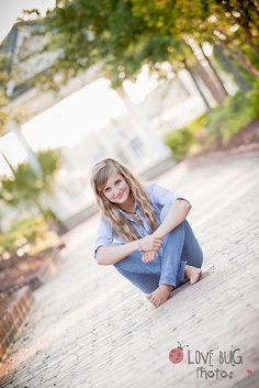Senior Pictures - Like the cross-legged & barefoot together
