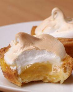 Original Recipe Lemon Meringue Bites (via Proper Tasty)Lemon Meringue Bites Mini Desserts, Sweet Desserts, Just Desserts, Delicious Desserts, Yummy Food, Pie Dessert, Eat Dessert First, Dessert Recipes, Proper Tasty