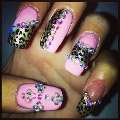 BLINGED OUT NAILS | My Blinged out nails !