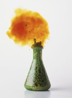 10 Seriously Cool Chemistry Experiments: Copper and Nitric Acid