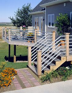 18 Creative Deck Railing Ideas to Update Your Outdoor Space Horizontal Deck Railing, Deck Railing Design, Deck Railings, Deck Design, Railing Ideas, Porch Handrails, Pergola Ideas, Cool Deck, Diy Deck