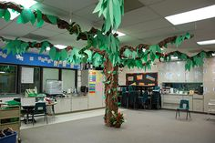 """""""It's a jungle in here"""" - Check out these creative ways to make your new classroom into a jungle! Kids will love it, and it is grade as a showcase for Open House. Integrate Math, Language Arts, Science and Social Studies with these Jungle ideas."""