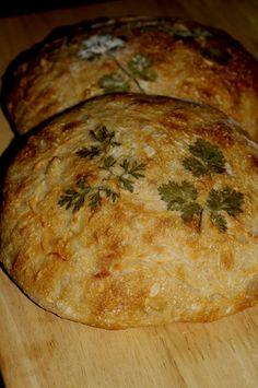 Sourdough Roasted Garlic Bread #bakeyourownbread