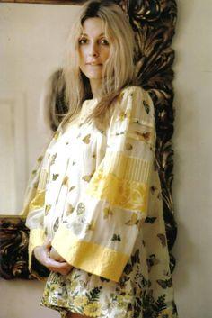 Sharon Tate fashion ideas for the 1st Republic of Catalonia- 1strepublicofcatalonia.cat #catalanrevolution