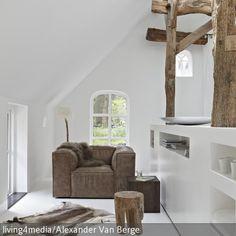 Ein schräges Dach geht zwar oft mit Platzproblemen einher, dennoch sind Häuser mit Satteldach durch ihre besondere Architektur oft unbestechlich schön. Mit …