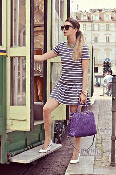ABITO A RIGHE & MIU MIU VIOLA - VINTAGE PHOTOSHOOT | fashion blogger