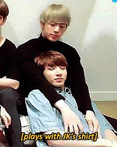 Baby Jungkookie is still a 3 year old in Jin's eyes Jinkook Jimin Selca, Bts Jungkook, Namjin, Bts Kiss, Jin Dad Jokes, Jikook, Bts Group Picture, Otp, Seokjin