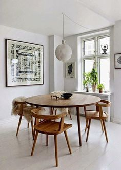 Get inspired by these dining room decor ideas! From dining room furniture ideas, dining room lighting inspirations and the best dining room decor inspirations, you'll find everything here! Dining Room Design, Dining Room Furniture, Dining Room Table, Furniture Ideas, Dining Sets, Round Wood Dining Table, Dining Area, Small Dining Rooms, Wood Furniture