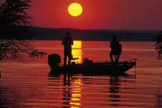Bass Fishing At Night - An Effective Way To Fish (Dunway Enterprises) http://bassfishing.dunway.com/