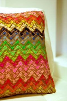 Love this banig pillow from SM, I call it Filipiniana Missoni :) Jenny's Native Picks Textiles, Textile Patterns, Textile Art, Filipino Interior Design, Interior Design Philippines, Filipino Art, Filipiniana, Design Research, Weaving Art