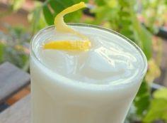 Sgroppino, een cocktail van citroenijs, wodka en prosecco