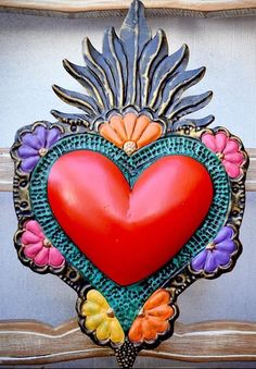 Mexican Crafts, Mexican Folk Art, Rose Cookies, Tin Art, Heart With Wings, Heart Painting, Family Tattoos, Craft Box, Crafty Craft