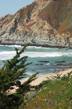 Half Moon Bay, California - so beautiful California Mountains, California Trip, Half Moon Bay, Lakes, Places Ive Been, Deserts, Wanderlust, Landscape, World