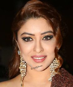 Glamorous Indian Girl Payal Ghosh Beautiful Looking Eyes Face Closeup Photos TOLLYWOOD STARS MIRA RAJPUT PHOTO GALLERY  | CDN.DNAINDIA.COM  #EDUCRATSWEB 2020-09-08 cdn.dnaindia.com https://cdn.dnaindia.com/sites/default/files/styles/full/public/2020/09/07/923581-mirarajput-birthday-makeuplook1.jpg