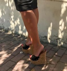 Sexy Legs And Heels, Hot High Heels, Wedge Mules, Wedge Sandals, Cute Skater Skirts, Cute Little Girls Outfits, Extreme High Heels, Beautiful High Heels, Nylons Heels