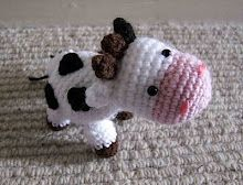 Crochet Cow - I wonder how she'd look as a jersey