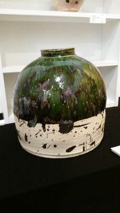 Japanese ceramics. Ryoji Koie/ Oribe jar