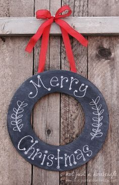 DIY: chalkboard wreath