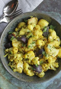 Cauliflower with Potatoes (Aloo Gobi) | Madhur Jaffrey - Ever Open Sauce