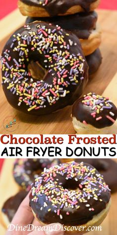 Our easy Chocolate Frosted Air Fryer donuts recipe is perfect for an afternoon s. - Our easy Chocolate Frosted Air Fryer donuts recipe is perfect for an afternoon snack. Easy and yumm - Air Fryer Recipes Dessert, Air Fryer Oven Recipes, Air Frier Recipes, Dessert Food, Dessert Bread, Tiramisu Dessert, Frost Donuts, Chocolate Frosting, Chocolate Donuts