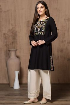 Mausummery Stitched Women Winter Dresses Designs Collection consists of embroidered stitched suits ready to wear shirts with trousers. Pakistani Fashion Party Wear, Pakistani Dresses Casual, Pakistani Dress Design, Casual Dresses, Black Pakistani Dress, Fancy Dress Design, Stylish Dress Designs, Maria B, Indian Designer Outfits