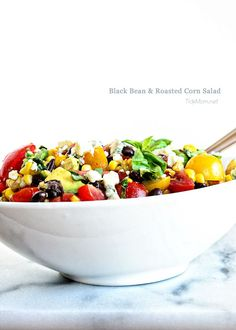 Black Bean and Roasted Corn Salad ~~ different spin on my favorite with blue cheese crumbles in the mix Summer Recipes, New Recipes, Favorite Recipes, Healthy Recipes, Healthy Foods, Healthy Eating, Corn Salad Recipes, Corn Salads, Roasted Corn Salad
