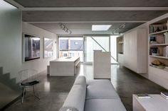 Niedrige Decken - Monochrome Wohneinrichtung