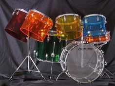 "THE JELLYBEAN IN THE QUADRAPLUS CONFIGURATION IS: 22"" BASS,   13"",14"",15"",16"" MOUNTED CONCERT TOMS, 18"" FLOOR AND A 14""x5"" SNARE.     IN 1975 LUDWIG'S SUGGESTED RETAIL PRICE FOR THE QUADRAPLUS WAS $1070 U.S. WITH A 22"" BASS AND $1083 U.S. WITH A 24"" BASS."