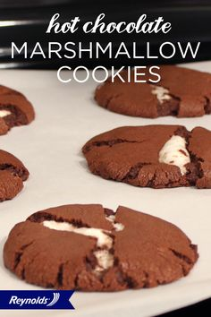 Hot cocoa is always more delicious when paired with marshmallows—and these Hot Chocolate Marshmallow Cookies are no exception! Chili powder, cocoa, hazelnut, and cinnamon create a unique flavor that…More Chocolate Marshmallow Cookies, Hot Chocolate, Marshmallow Sticks, Just Desserts, Delicious Desserts, Yummy Food, Yummy Treats, Sweet Treats, Cookie Recipes