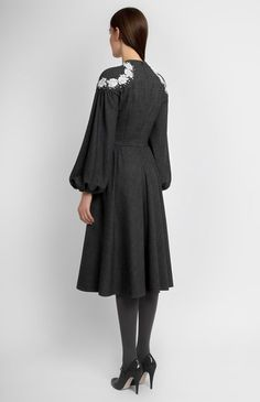 Slim-fit true wool dress with bell-shaped sleeves. Lace and bead trim. On the photo: model is wearing a size S and is 178 cm. Dresses Uk, Trendy Dresses, Casual Dresses, Short Dresses, Fashion Dresses, Sleeve Dresses, Wool Dress, Silk Dress, Chiffon Dress