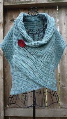 Pattern for buttoned crocheted wrap by redbootyarnworks on Etsy - looks similar to a poncho, with the button! Poncho Au Crochet, Pull Crochet, Learn To Crochet, Crochet Scarves, Crochet Clothes, Crochet Top, Hat Crochet, Beginner Crochet, Crochet Sweaters