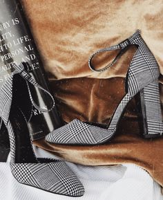 Shared by Lulus. Find images and videos about fashion, shoes and heels on We Heart It - the app to get lost in what you love. Shoe Boots, Shoes Heels, Pumps, Shoe Bag, Shoes Sneakers, Footwear Shoes, Fall Heels, Mode Shoes, Dream Shoes