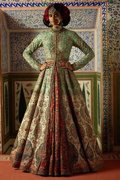 I just found out amazing Bridal Sabyasachi Lehenga Prices from his 2019 and 2018 collection. Check out 29 lehenga prices and gorgeous real bride pictures. Sabyasachi Lehenga Cost, Banarasi Lehenga, Sabyasachi Bride, Sabyasachi Designer, Lehenga Top, Anarkali, Pink Bridal Lehenga, Indian Bridal Lehenga, Bridal Gowns