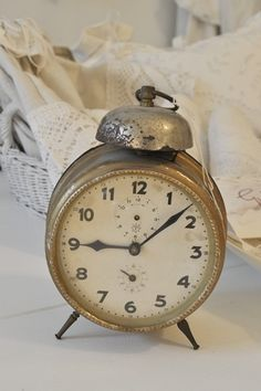 Vintage Shabby Alarm Clock - where is something like this when I WANT it?