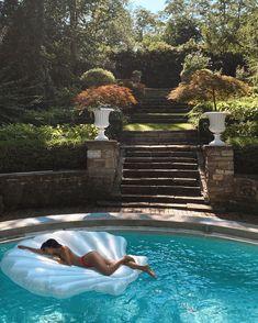 "Racquel Natasha 🦋 on Instagram: ""Not Europe... but close 🐚🧜🏽♀️ loving Summer in Toronto"" Kourtney Kardashian, Summer Of Love, Summer Time, Roman Holiday, Pink Sky, Summer Photos, Toronto, Europe, Swimming"