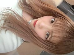 画像に含まれている可能性があるもの:1人以上、クローズアップ Asian Girl, Japan, Eyes, Cute, Hair, Fashion, Asia Girl, Whoville Hair, Moda