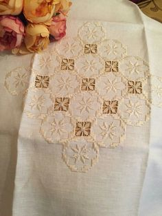 Hardanger Embroidery, Lace Embroidery, Cross Stitch Embroidery, Embroidery Designs, Drawn Thread, Bargello, Labor, Irish Lace, Lace Making