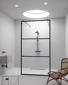 Our new ⭐️ walk-in shower screen in Bläk Tokyo grid ⭐️ #suihku #kylppäriremppa #kylpyhuoneensisustus #hietakarisandriff #glasvägg #badrum #badrumsinspo #bathroomdecor