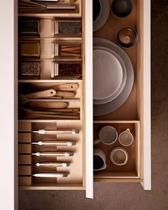 Ramón Casadó of German kitchen manufacturer bulthaup provides some tips on how to make the most of the space in a small kitchen. Bulthaup B1, Bulthaup Kitchen, All White Kitchen, Black Kitchens, Home Kitchens, Kitchen Organization, Kitchen Storage, Wooden Kitchen, Kitchen Decor