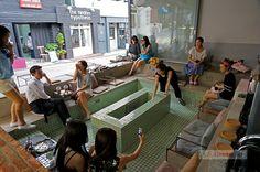 맛볼 taste.kr 모헨조다로를 닮은 한남동의 남녀혼탕 목욕탕 카페 _ 옹느세자메 / 이태원 독특한 인테리어 신상카페
