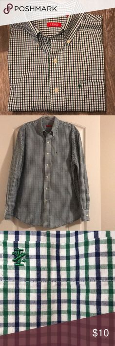 """IZOD Men's Button Down Collared Shirt - Not Worn My husband got this as a gift, I washed it once but it didn't fit him.  The shirt is very nice, the brand runs large.  Long sleeve men's button down shirt, with button down collar and the sleeves button at the wrists.    Measurements: Width across the shoulders- 19"""" Sleeve Length- 24"""" Shirt Length- 30.5"""" Izod Shirts Dress Shirts"""
