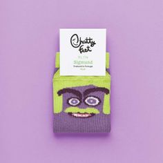 Sigmund Jr is the perfect pair of socks for when you're feeling a little blue. Our funny kids' socks will cheer you up and try to solve your problems.