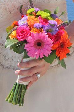 18 Best Ideas For Wedding Bouquets Pink Gerbera Bridesmaid Gerbera Wedding Bouquets, Gerbera Bouquet, Prom Bouquet, Bridal Bouquet Pink, Bride Bouquets, Bouquet Flowers, Pink Gerbera, Spring Bouquet, Bright Wedding Flowers